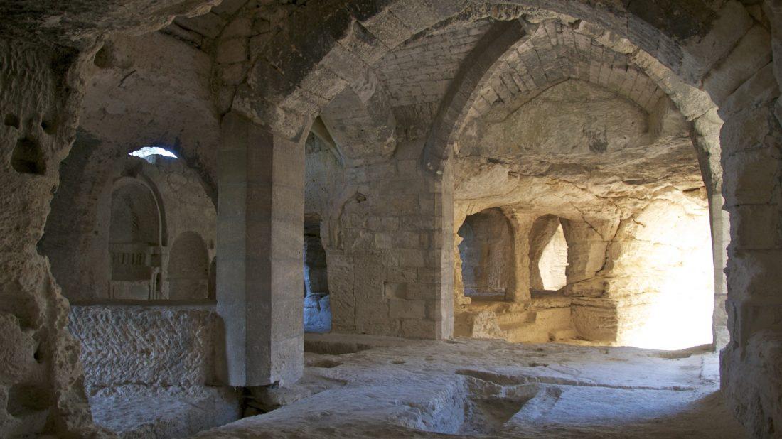 Abbaye de Saint-Roman - La chapelle souterraine